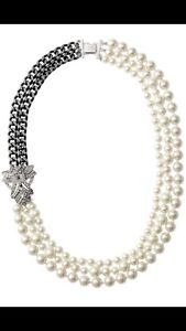 Stella and Dot Daisy Pearl 3 Strand Necklace