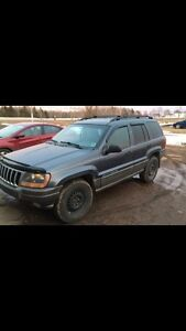 Selling 2001 Jeep Grand Cherokee laredo