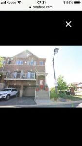 Freehold Binbrook townhouse