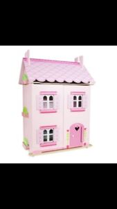 "Le Van Toy ""my first dream house"""