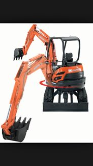 2.8T Excavator hire $250 day on trailer CHEAP Newcastle Hire & Ex Thornton Maitland Area Preview