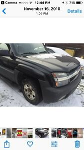 2005 Chev Avalanche for PARTS ONLY