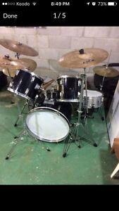Dixon drum set