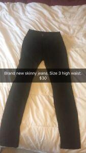 Woman's clothes/shoes