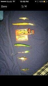 8 Fishing lures *3 are new !