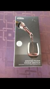 New in box - Wine aerating pourer