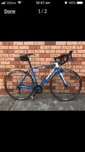 Bike as new GIANT DEFY 3ALUXX med size and cleats US 11.2