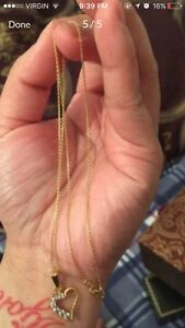 18karat gold necklace and pendant