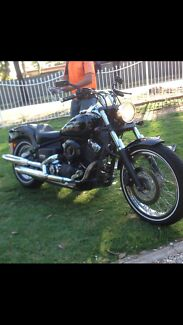 2006 Yamaha Vstar XVS650 Custom low kms