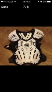 Shift chest protector