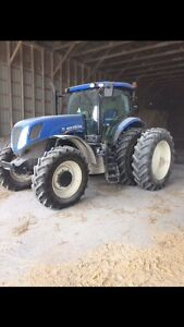 T7.235 NEW HOLLAND