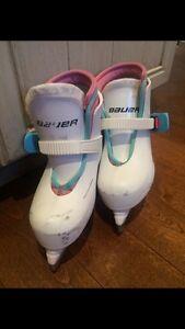 GOOD Condition Girls (White) Bauer Skates Toddler size 8/9 Oakville / Halton Region Toronto (GTA) image 1