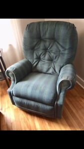 FREE Green Recliner/arm chair