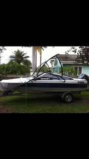 Bayliner bow rider boat (speed boat)  Southport Gold Coast City Preview