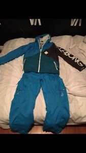 Perfect Xmas gift, name brand snowboard gear