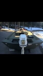Tracker grizzly 1448 MVX / 30hp Johnson outboard w/Trailer