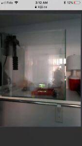 Starphire glass aquarium with filter