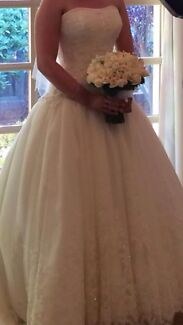 Wedding dress for sale  Kambah Tuggeranong Preview