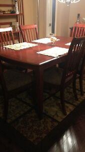 Dining Table & 8 Chairs (Mahogany)