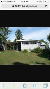 3 bed 2 bath House in Ponoka for sale on half acre property