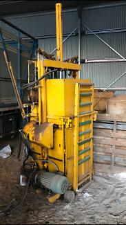 TPW Heavy Duty Wool Press In Very Good Condition