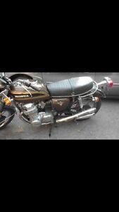 Recherche vieille moto Honda cb750k four 1973 défectueuse