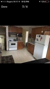 Only 4 rooms left for rent 1/2 block from NIAGARA COLLEGE
