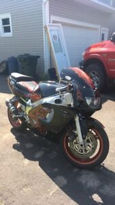 1999 gsxr 600 for TRADE