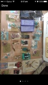 Brooches Necklaces Clips Hair assessories hair clips Edens Landing Logan Area Preview