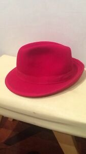 beautiful red hat $20 Morley Bayswater Area Preview