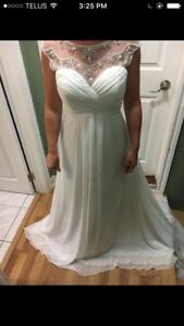 2016 wedding dress NEVER WORN