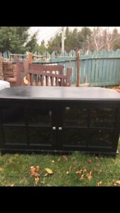 Moving sale furniture must go