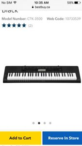 Yamaha keyboard and stand included