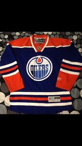Cheap  (worn twice) oilers jersey
