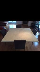 White marble dinning table West Island Greater Montréal image 2