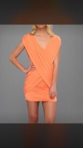 Robe bcbg x-small//small coral with tags/avec etiquette