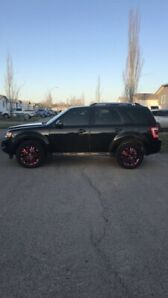 Ford Escape Limited with Custom PINK rims for SALE!