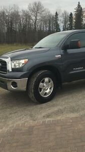 Toyota Tundra tires and rims