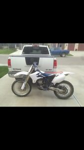 Beautiful Yamaha 250YZ  4-stroke