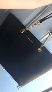 Large Micheal kors purse