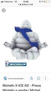 4 pneus d'hiver Michelin X-ICE x13 225/65R/16 sur jantes 175$