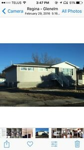 LARGE 3 BEDROOM MAIN FLOOR SUITE IN GLEN ELM