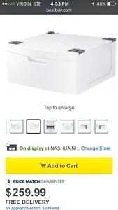 "Selling 2 Samsung laundry pedestal 27"" grey  Gatineau Ottawa / Gatineau Area image 5"