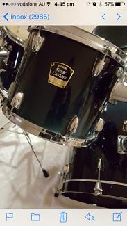 Drum Kit Yamaha Stage Custom Advantage w additions, retro snare