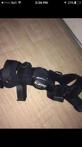 Breg fusion left knee brace