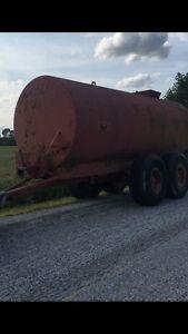 4000 gallon water tank