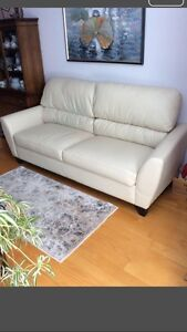 White Leather Couch_~Excellent Condition