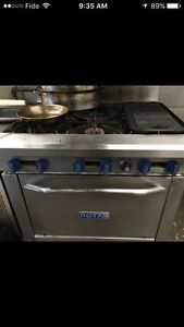 Royal stove , cuisiniere gas natural