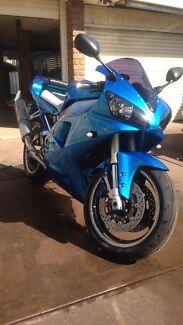 2000 Yamaha yzf r1
