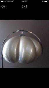 Lampe sur pied rétro vintage 1970